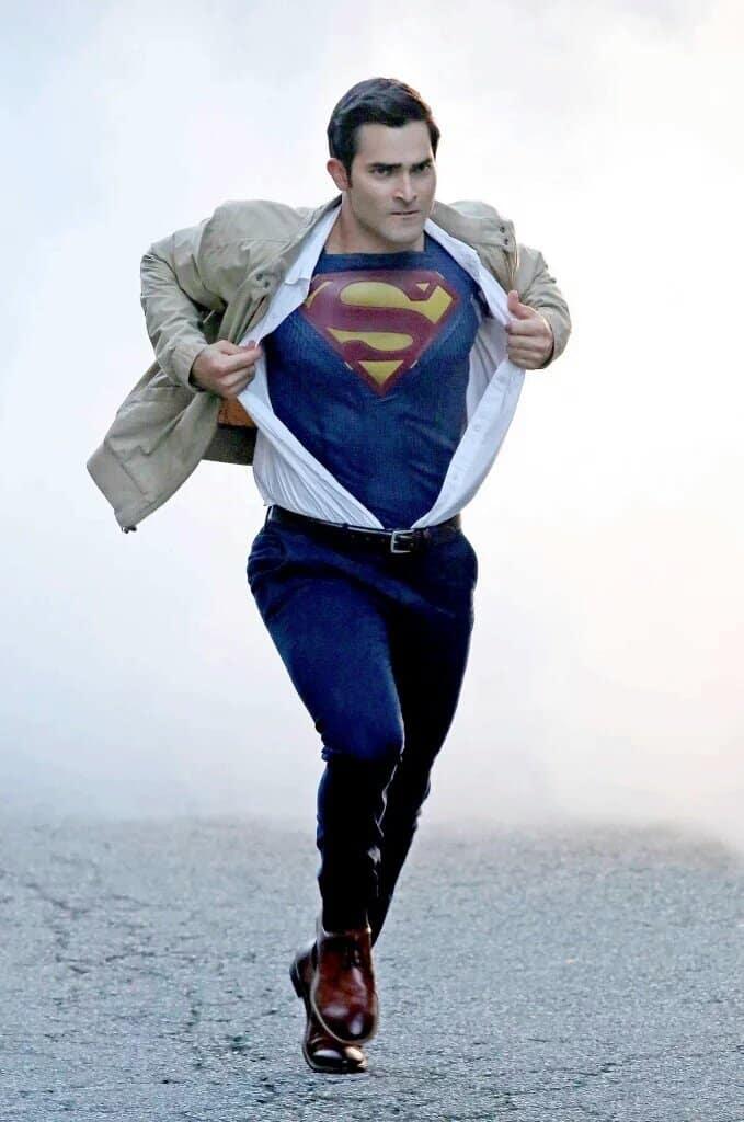 Tyler Hoechling_Supergirl