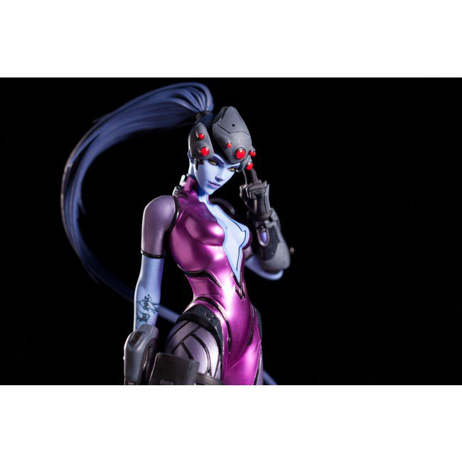 widowmaker_statue_03