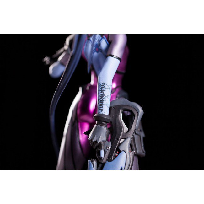 widowmaker_statue_06