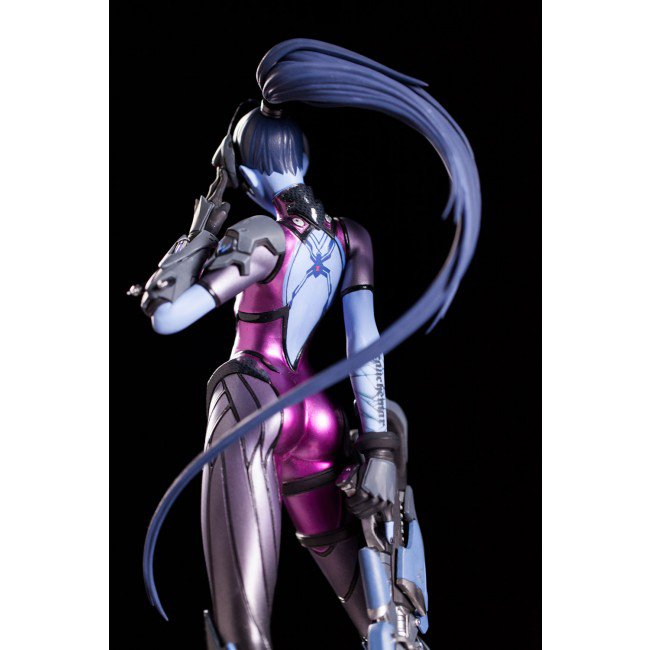 widowmaker_statue_07