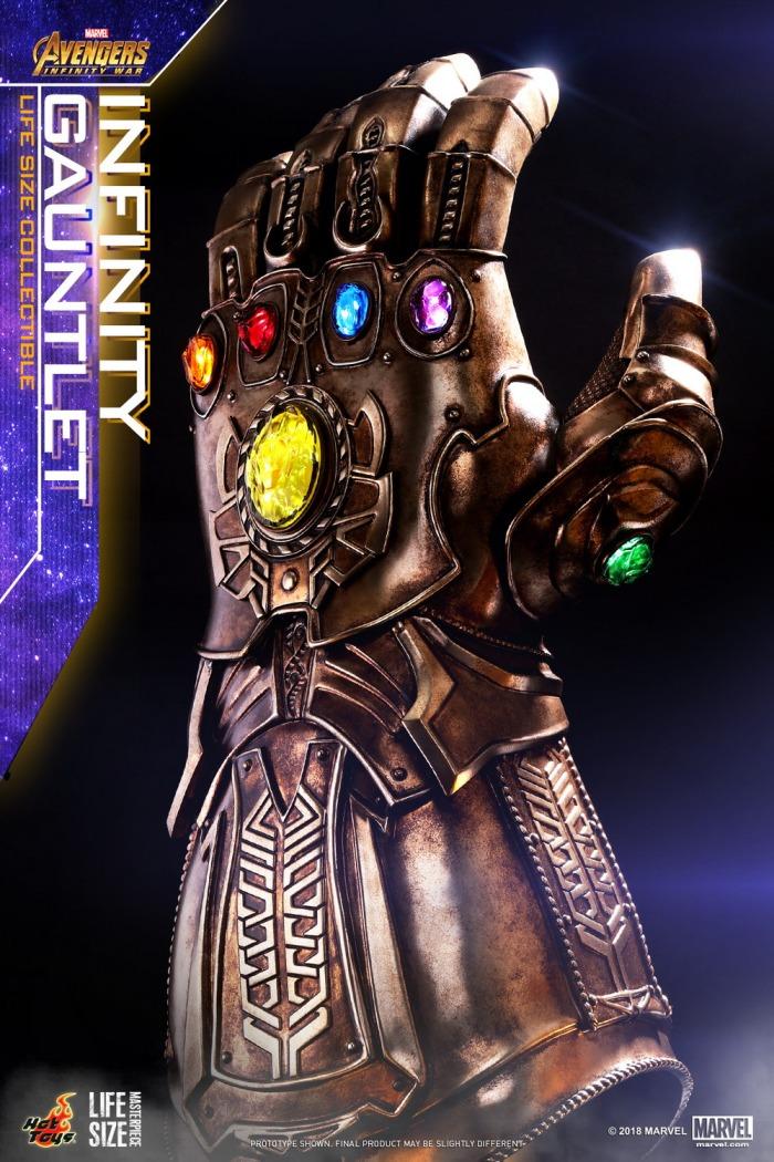 hot-toys-infinity-gauntlet-replica-03