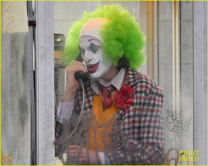 joaquin-phoenix-full-makeup-filming-the-joker-09