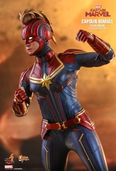 capita-marvel-deluxe-version-hot-toys-05